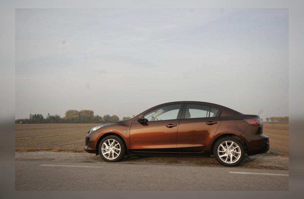 Sedaanina on Mazda3 täitsa kena kohe.