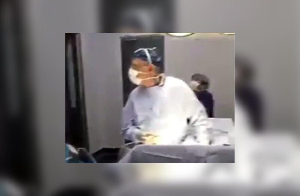 VIDEO | Tšiili kirurgid elasid patsienti lõigates teleri vahendusel kaasa oma jalgpallikoondise edule