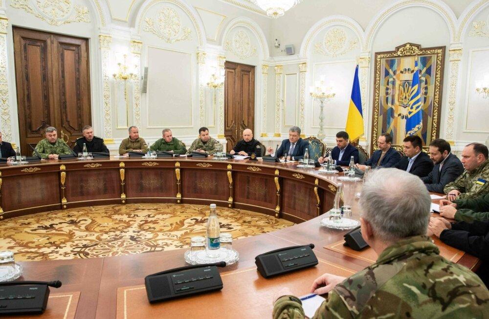 Ukrainas hakkab kümnes piirkonnas kehtima sõjaseisukord