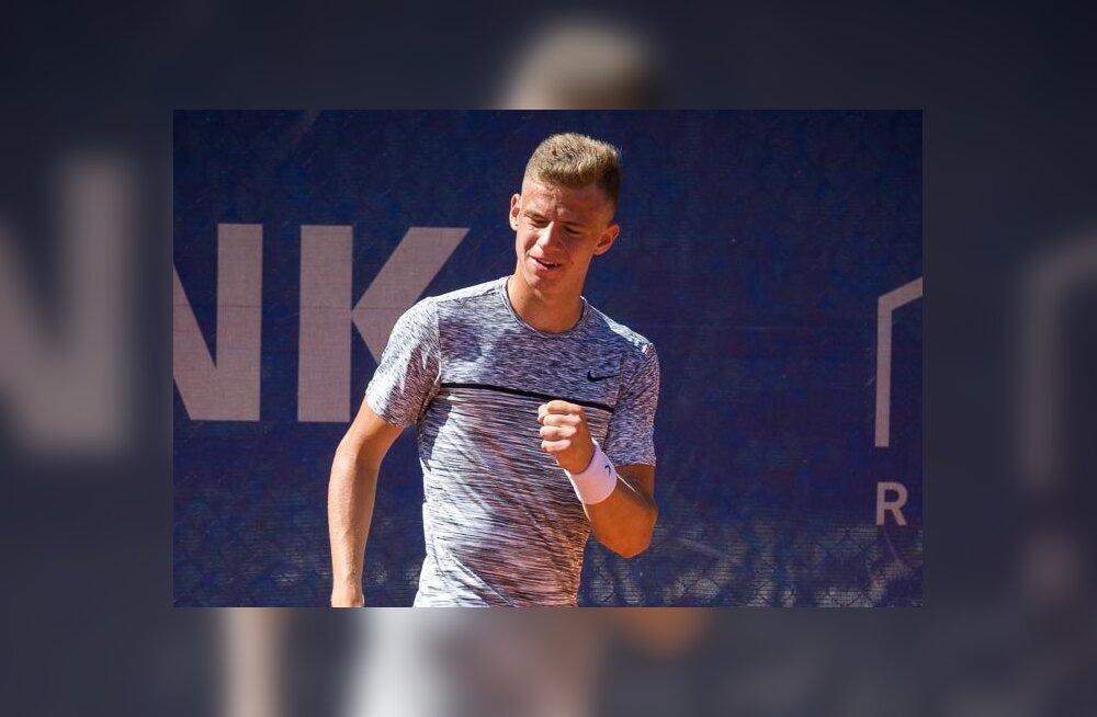 Daniil Glinka võitis koduse ITF-i noorteturniiri
