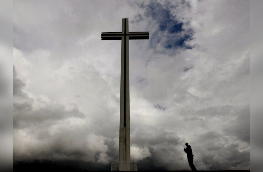 Keskmine eestlane on usuasjades lausloll ja uhke selle üle