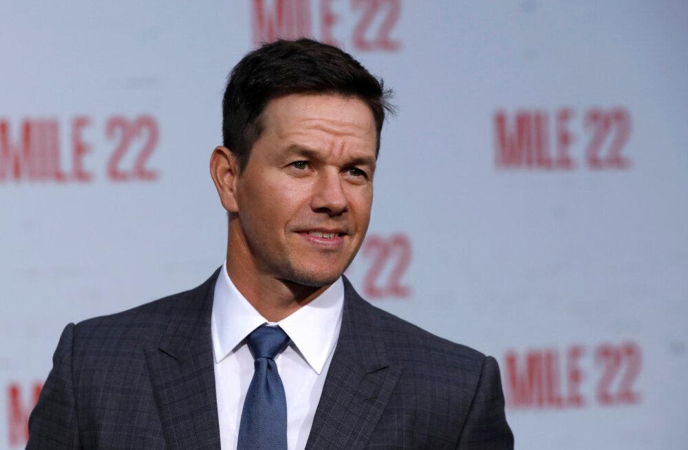 KUUM KLÕPS | Daamide unenägu Mark Wahlberg demonstreerib kriminaalselt trimmis keha