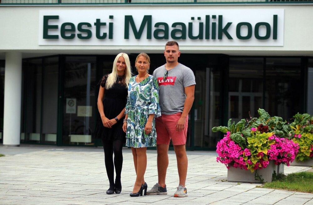 Juunikuus said tütar Deivi ja ema Ülvi magistri- ning poeg Danno bakalaureusekraadi võrra rikkamaks.