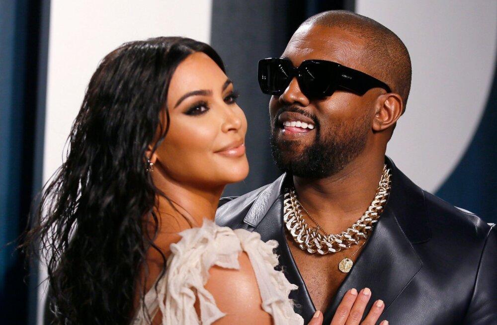 VIDEO | Piinlik! Kanye West jättis abikaasa Kimi miljonite silmapaaride ees suudluseta