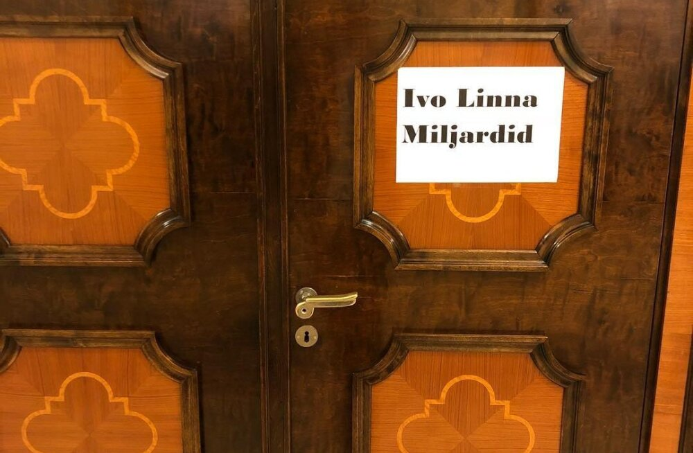 PÄEVA KILD | Tõelised huumorivennad! Ivo Linna ja Miljardite ühise riietusruumi silt sai poliitilise nalja osaliseks