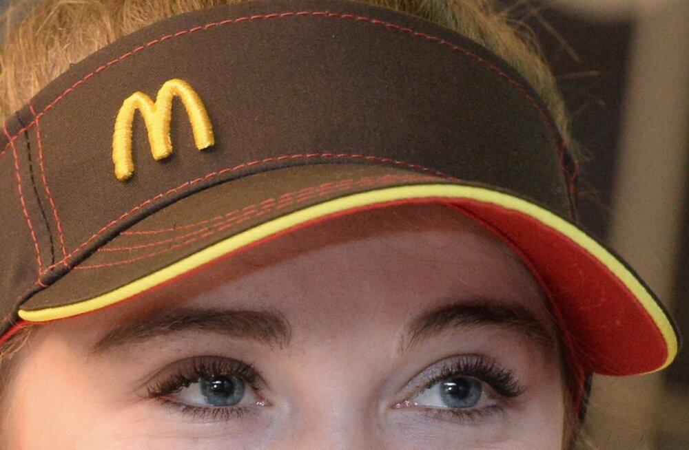 McDonald'si toidukoha töötaja Moskvas.