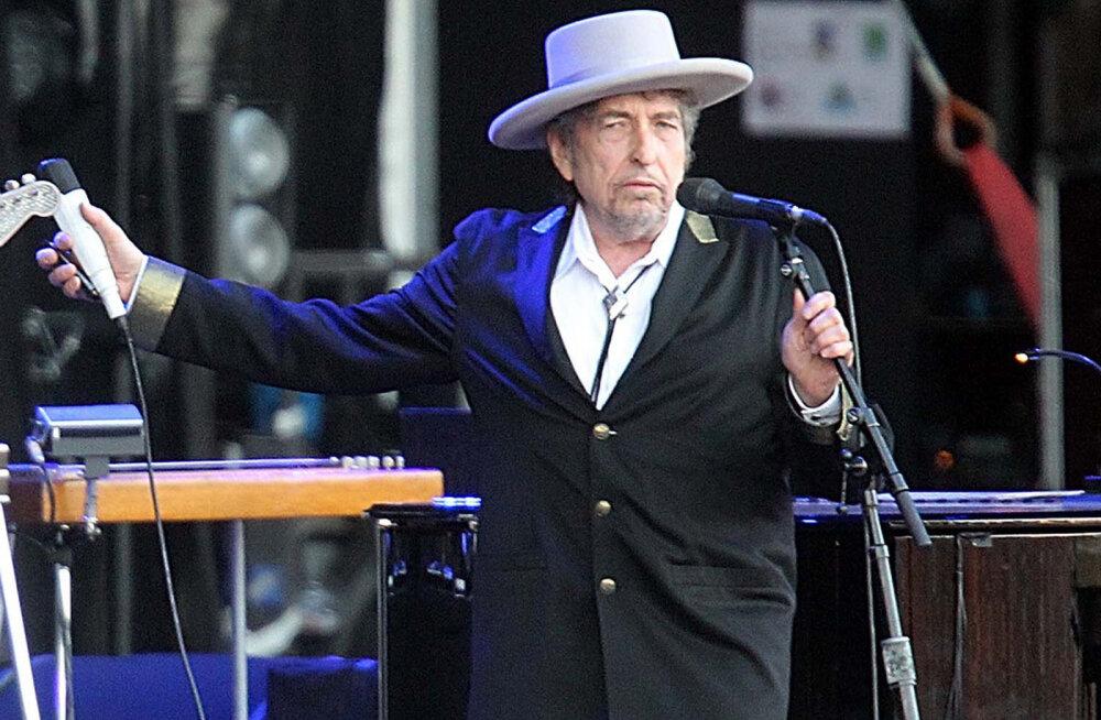 Auhinnatseremoonia jätab külmaks? Nobeli komitee: Bob Dylan ignoreerib meid!