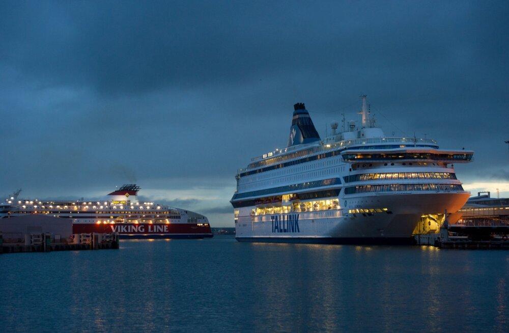 Tallinki ja Viking Line laevad. Tallinna linn ja sadam