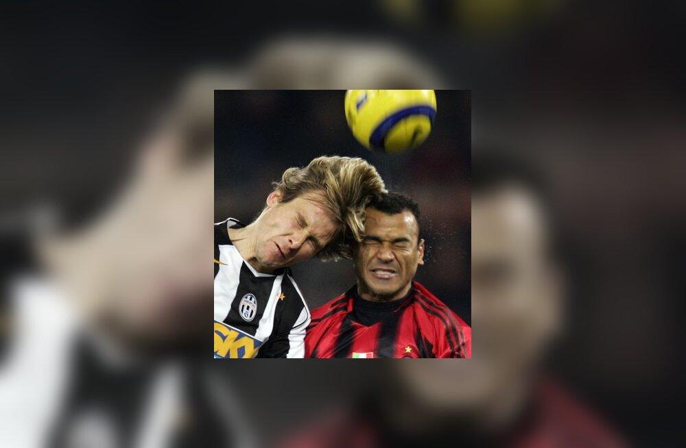 Juventuse Pavel Nedved ja AC Milani Cafu