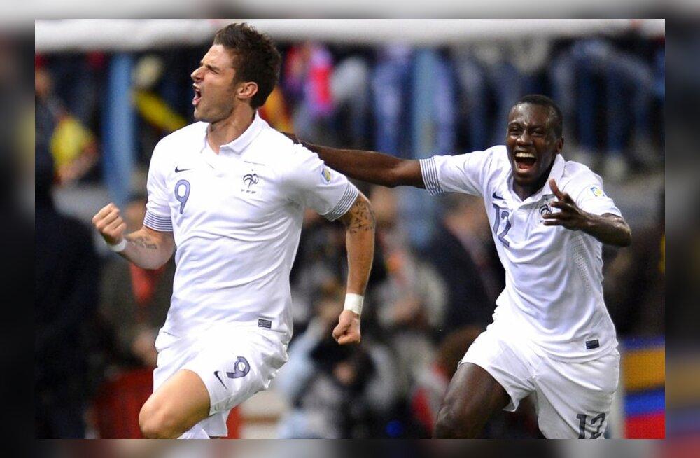 Olivier Giroud (vasakul) juubeldab pärast viigivärava löömist, jalgpall