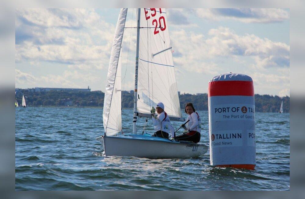 Õed Marjaliisa ja Elise Umb, purjetamine