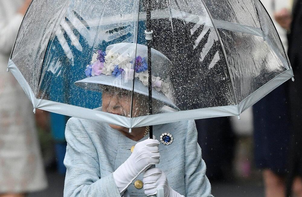 Kuninglikud veidrused: mis on lahti kuninganna vihmavarjuga?