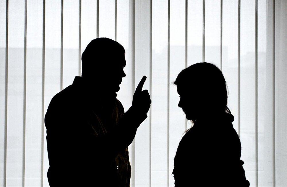 Как прекратить домогательства начальника: 6 дельных советов