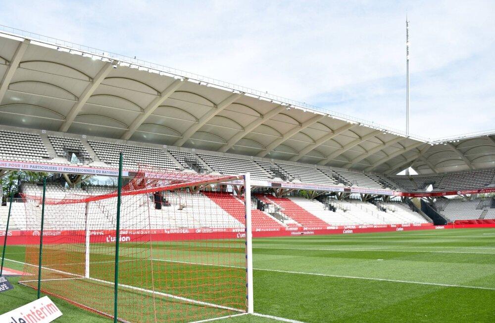 Koroonaviirusesse nakatunud Prantsusmaa jalgpalliklubi arst tegi enesetapu