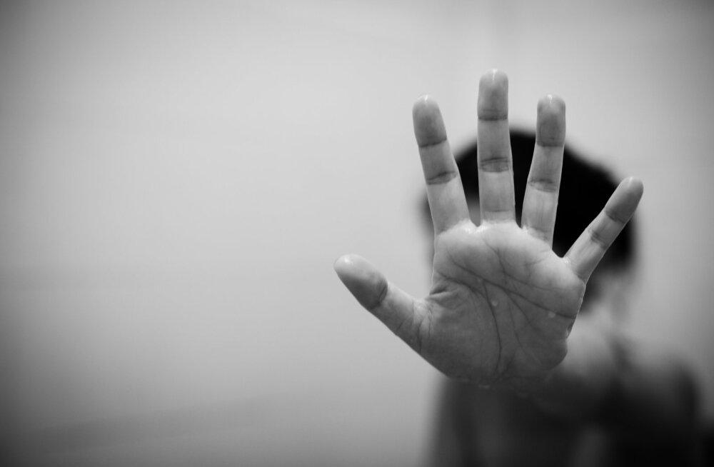 """""""8-aastane tüdruk arvab, et isa peksab ema tema pärast."""" Lähisuhtevägivalla tõttu kannatanud lapsed vajavad abi"""