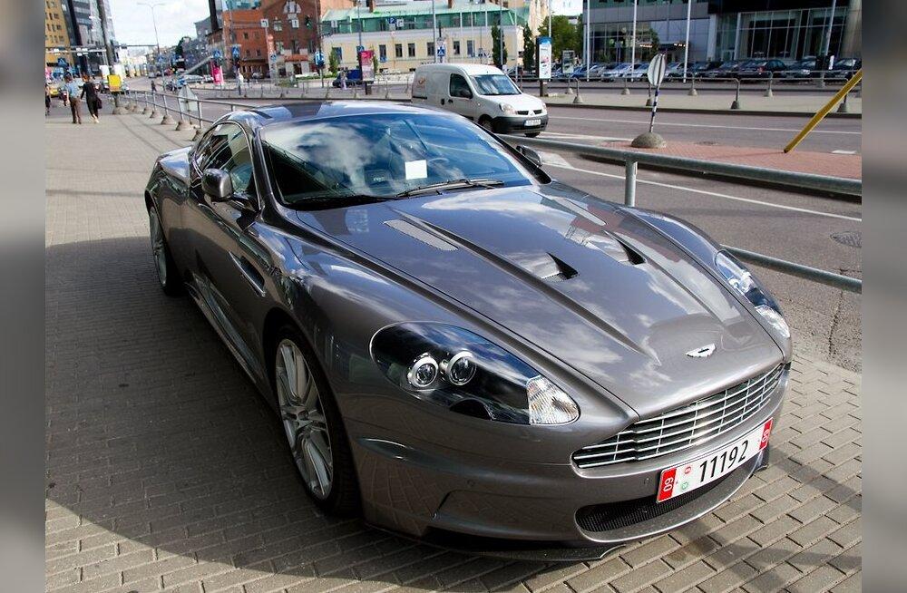 ФОТО: Правила парковки в Таллинне на суперкары не распространяются