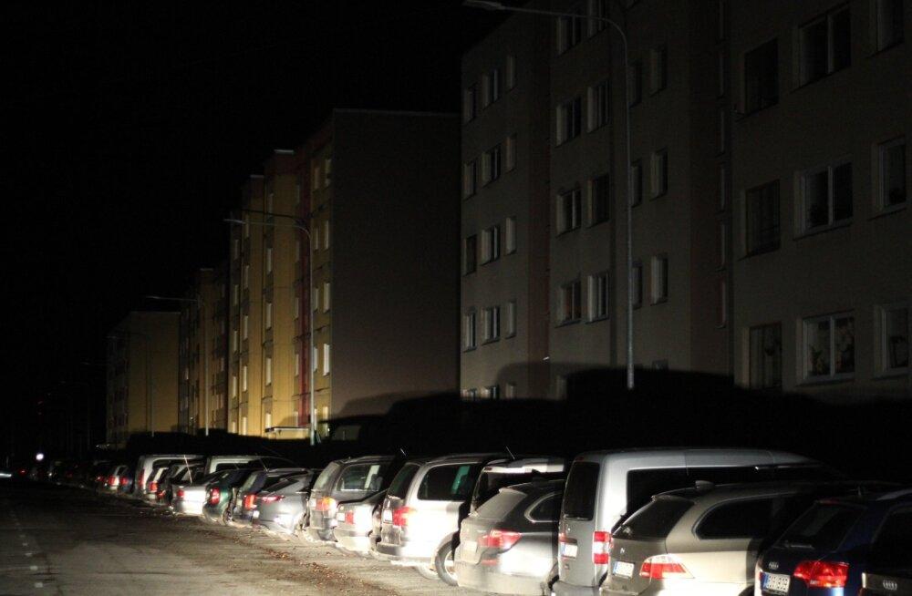pimedad tänavad