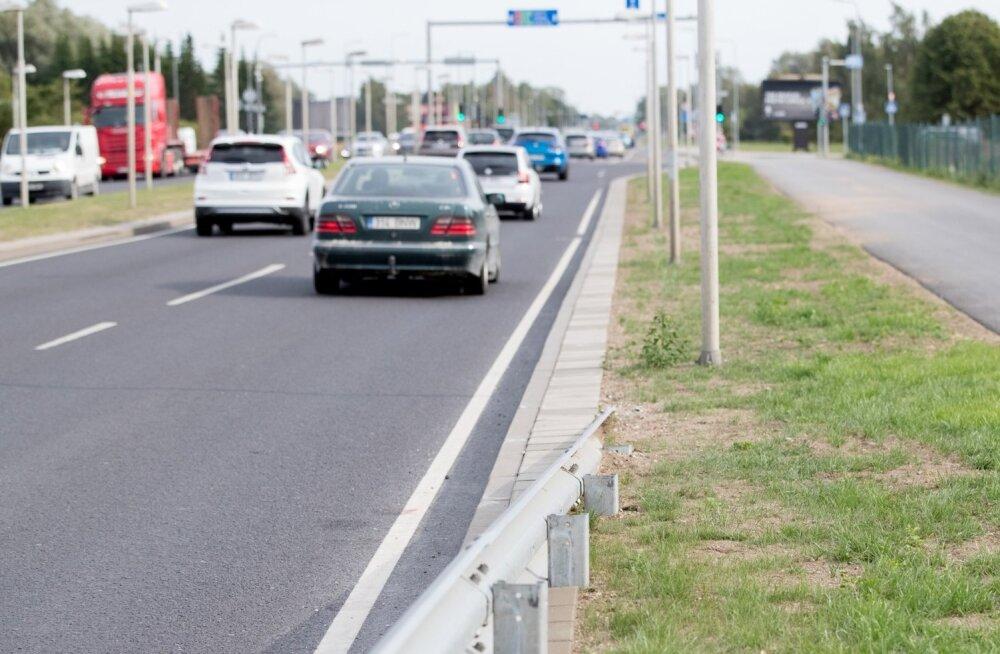 Maanteeamet katsetab suve hakul uusi piirkiiruseid.