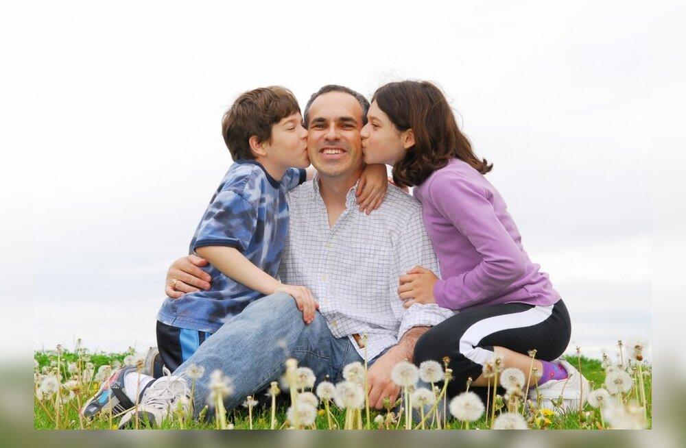 Isadepäeva AUHINNAMÄNG: kirjuta oma lahedamatest hetkedest isaga!