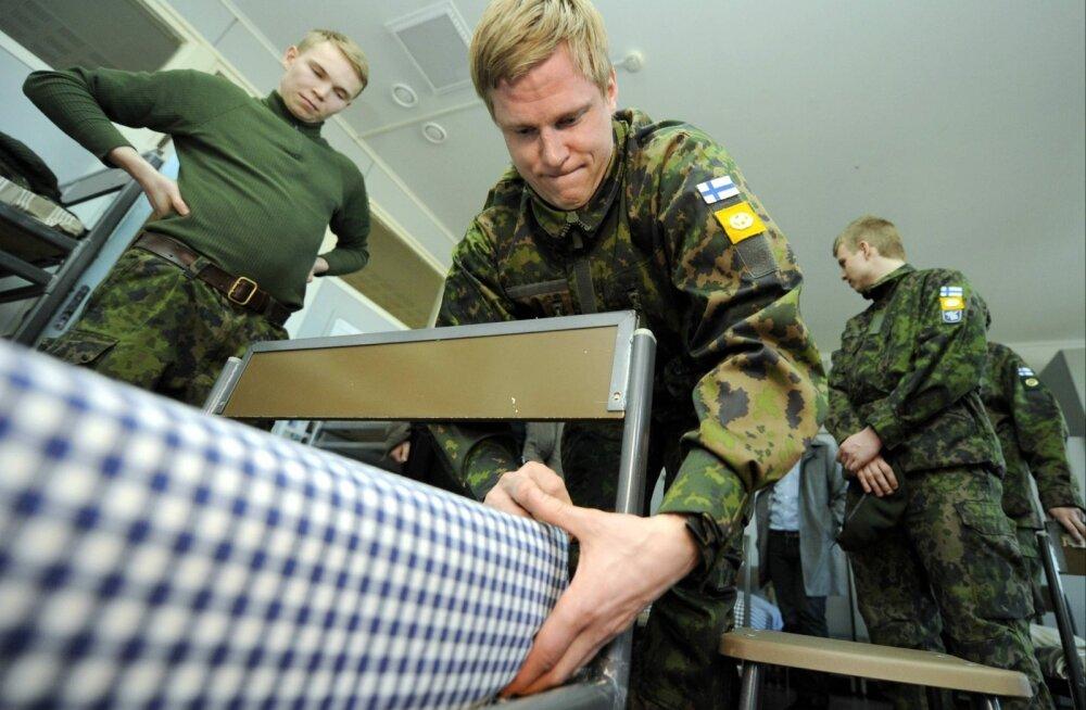 Soome kaitsevägi ei võta Soome-Vene topeltkodakondseid enam tööle, ajateenijaid ei lasta kõikjale ligi