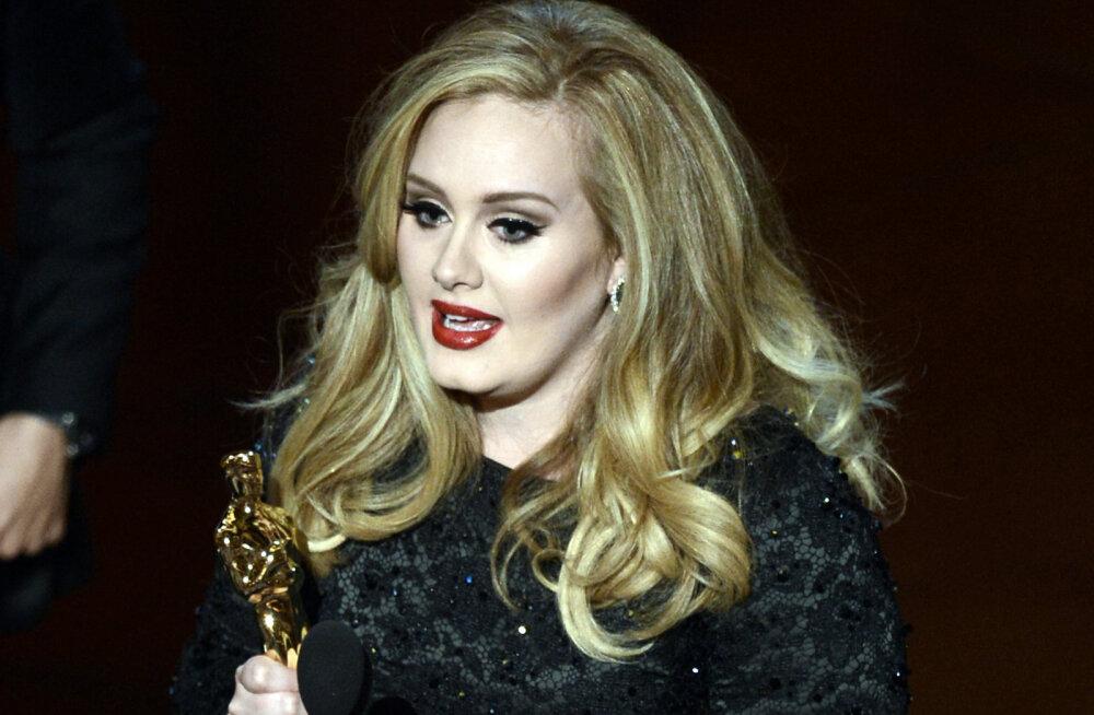 FOTOD | Pea pool kehakaalust kaotanud Adele'i ei tunne enam äragi: kas lauljatar on kõhnumisega tõesti liiga kaugele läinud?