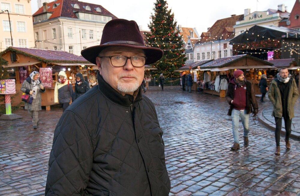 Nii meedias kui ka toitlustuses ja teeninduses töötanud Mikko Savikko on hoiatanud aastaid: Soome turist pole taeva kingitus, tema Eestisse saamiseks on vaja vaeva näha. Nii statistikud kui ka Euroopa kuulsaima – Tallinna jõuluturu kaupmehed väidavad, et