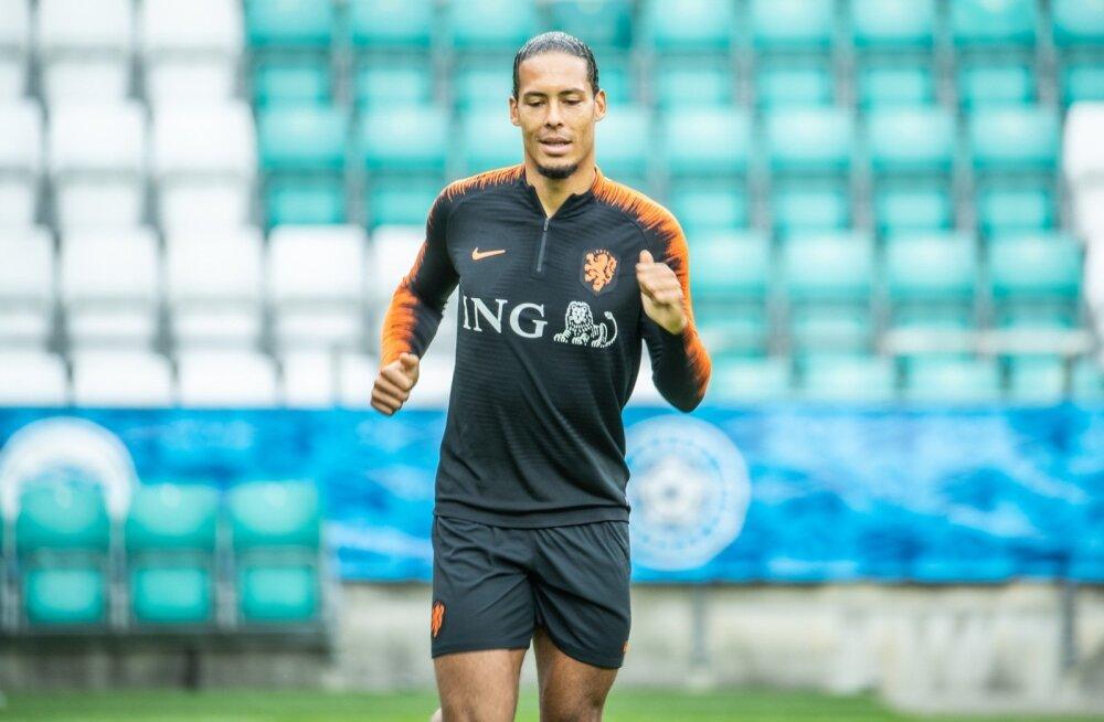 Hollandi jalgpallikoondise pressikonverents ja trenn