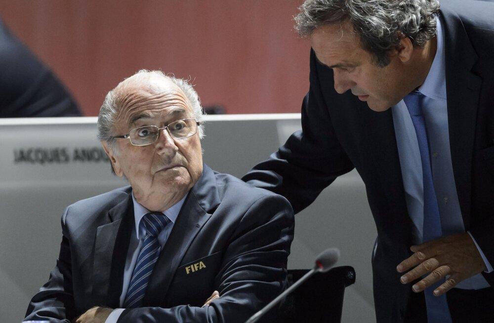 Ajaleht: Platini lubas Blatterile 2 miljoni eest presidendivalimistel toetust avaldada