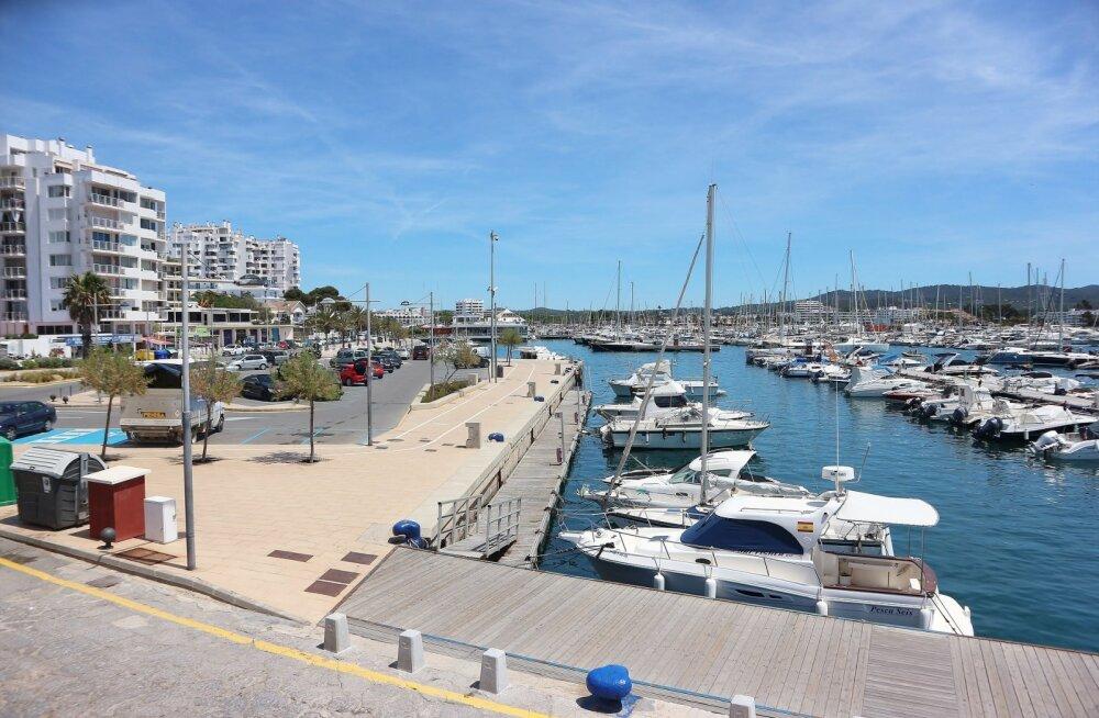 Ajab südame pahaks! Turistidel on tuju läinud, sest Ibiza sadamavetes hulbivad inimese väljaheited