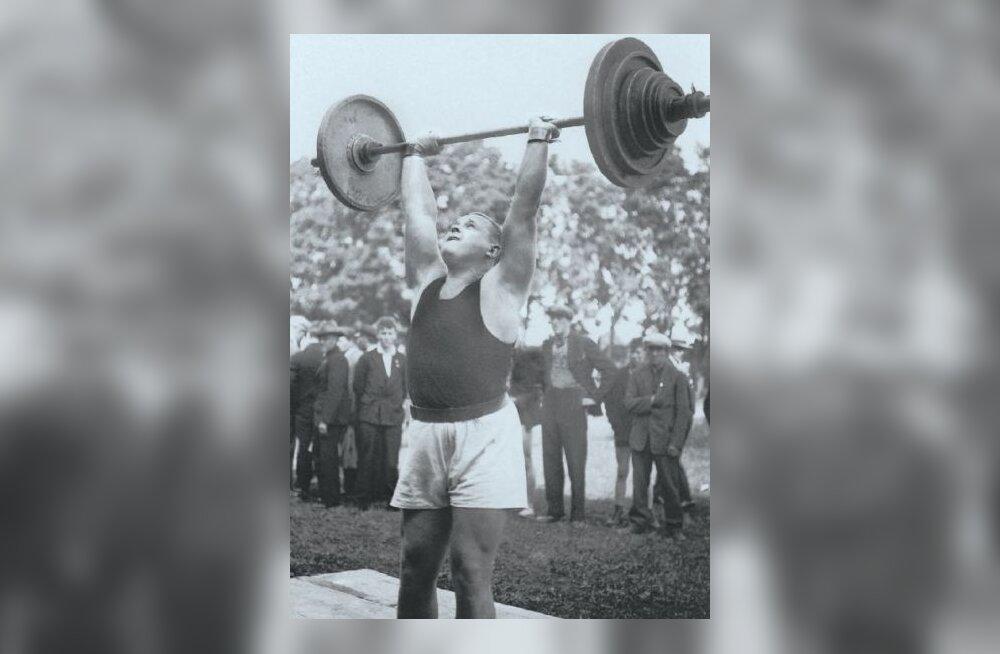 Arnold Luhaäär