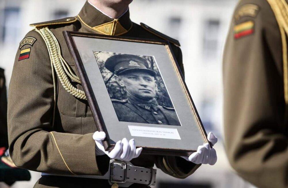 Leedu metsavenna ausamba avamine USA-s kutsus esile Vene saatkonna süüdistused juutide tapmises
