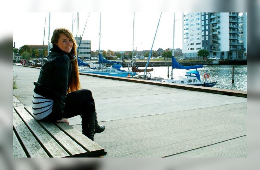 Inna Grondzovskaja nautimas ilma Odense sadamas