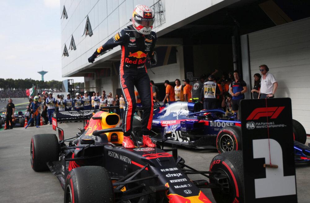 BLOGI | Verstappen võitis ülidraamatilise Brasiilia GP, Ferrari mehed põrkasid omavahel kokku ja katkestasid, Hamiltoni karistus kukutas briti poodiumikohalt