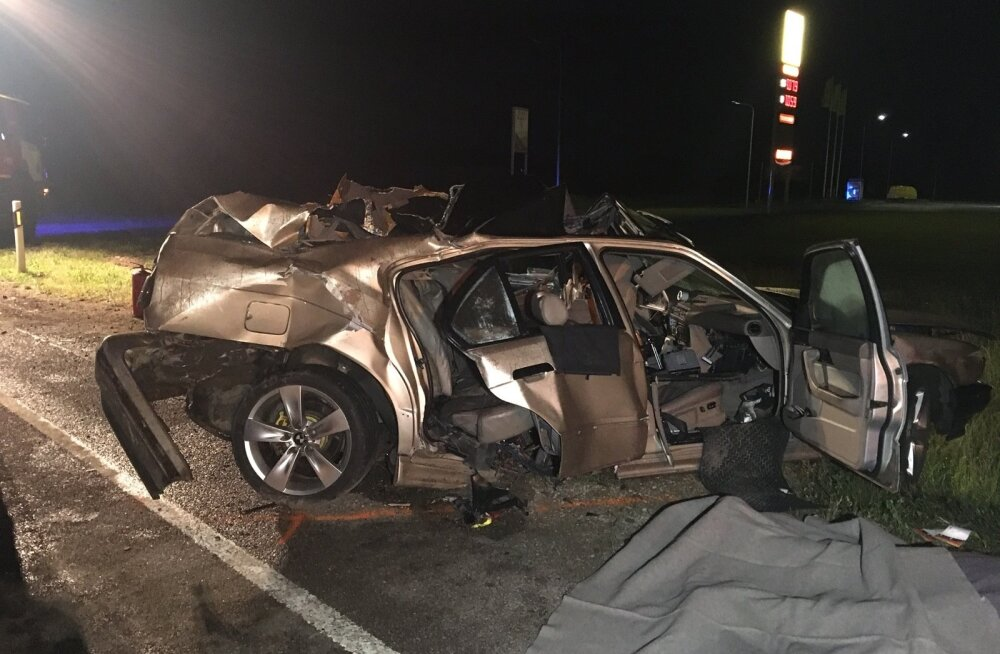 Kolme noore surmaga lõppenud õnnetusse sattunud auto roolis olnud mees on politseile varasemast tuttav