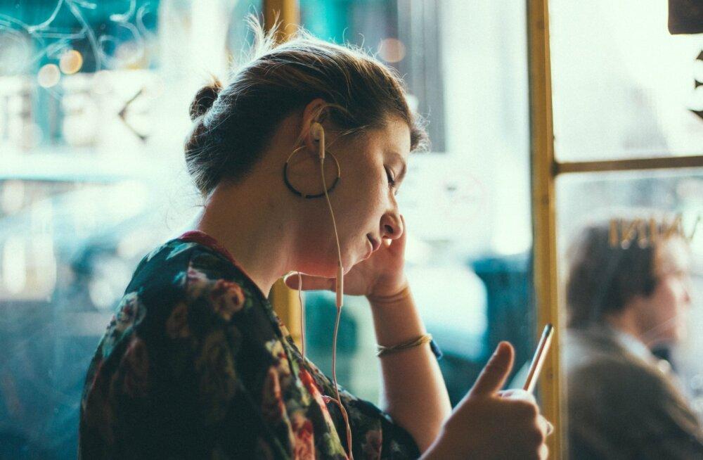 See populaarne armastuslaul on inspireerinud 64% naisi oma eksidega ühendust võtma