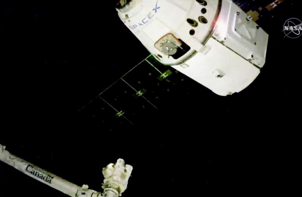 Jõulupakk jõudis ISS-i: mida leiab astronautide jõululaualt?