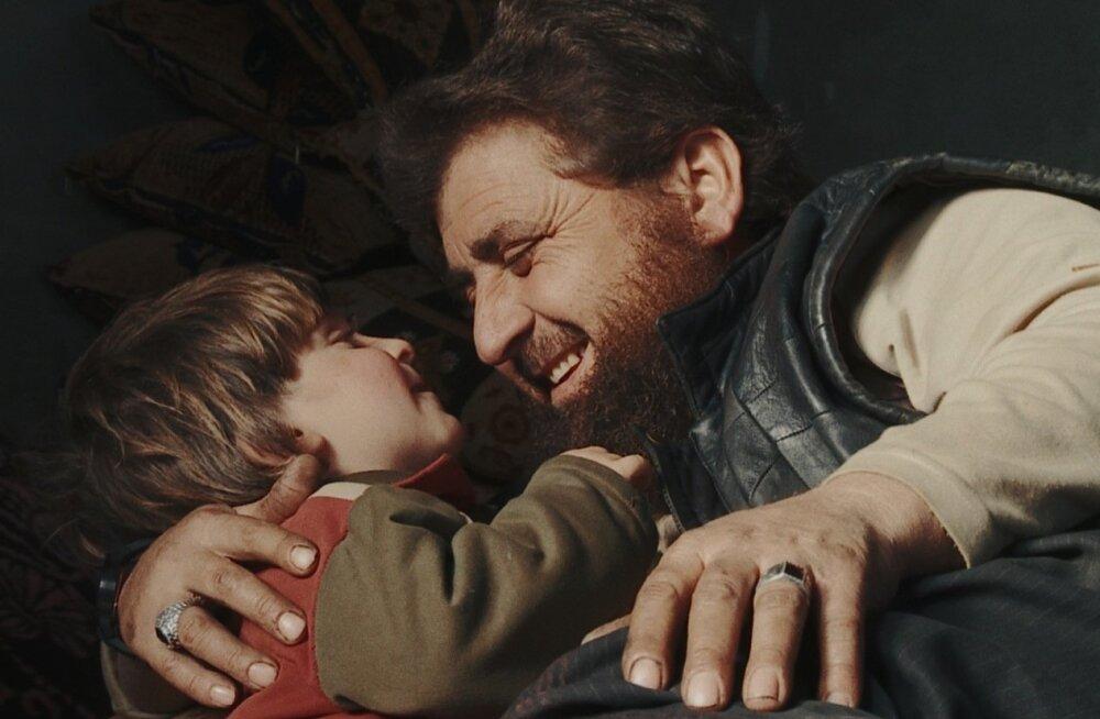 """Talal Derki filmi """"Isadest ja poegadest"""" on tunnustatud mitmel festivalil."""