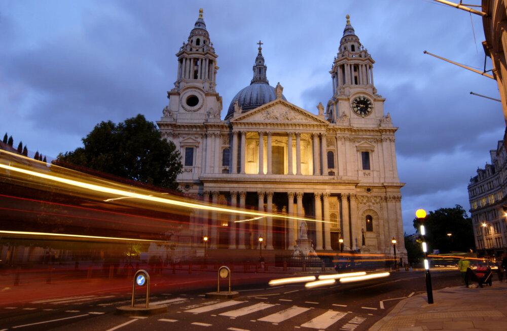 Kolinal kukkunud hinnad, imelised jõuluturud, järjest paremad otseühendused ja veel 10 põhjust sõita Londonisse