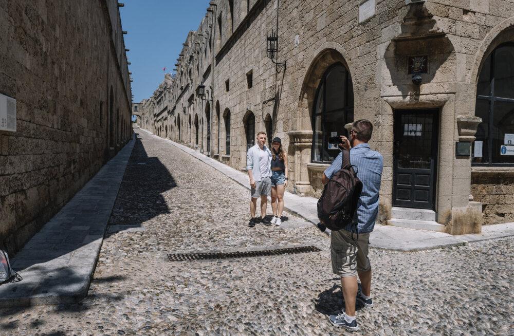 В Греции ослабляют ограничения, несмотря на новые случаи COVID-19 в туристических местах