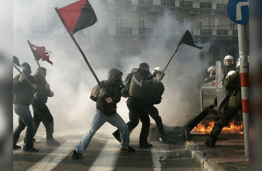 Kreeka anarhistid ähvardasid esimest korda turiste