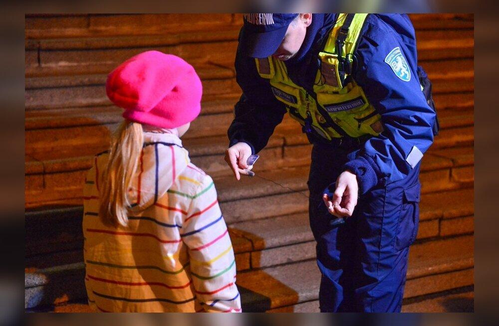 Politsei jagas helkureid ja veste