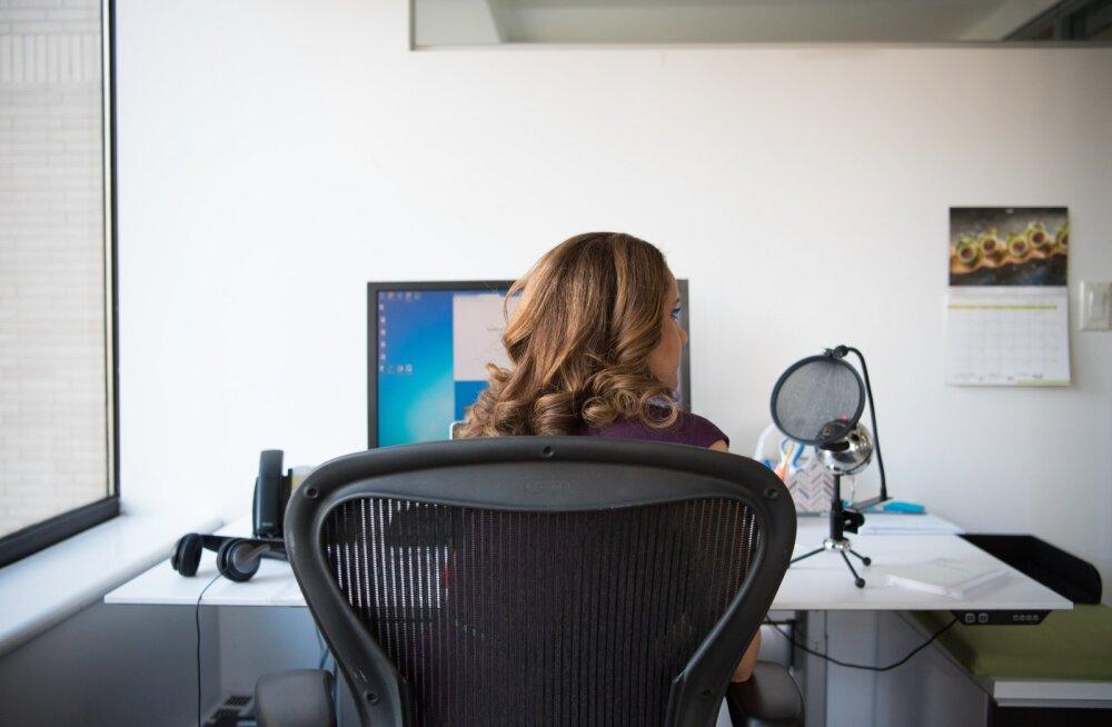 Teadlased avaldavad: üle 4 tunni päevas istudes riskime oma eludega