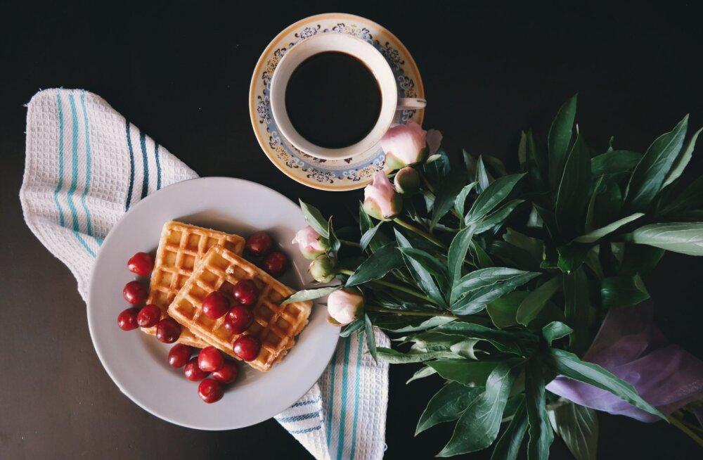 3 необычных и красивых завтрака с венскими вафлями