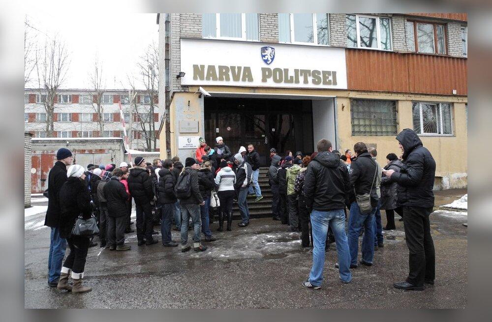 FOTOD: Kadunud Narva tüdrukut aitavad otsida kümned vabatahtlikud
