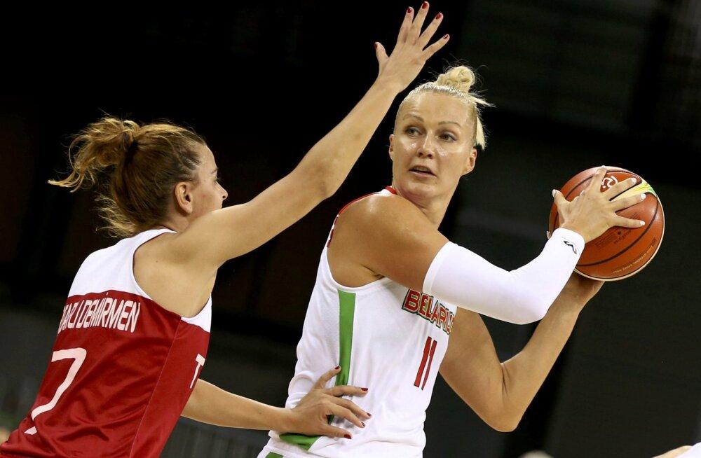Jelena Leuchanka palliga