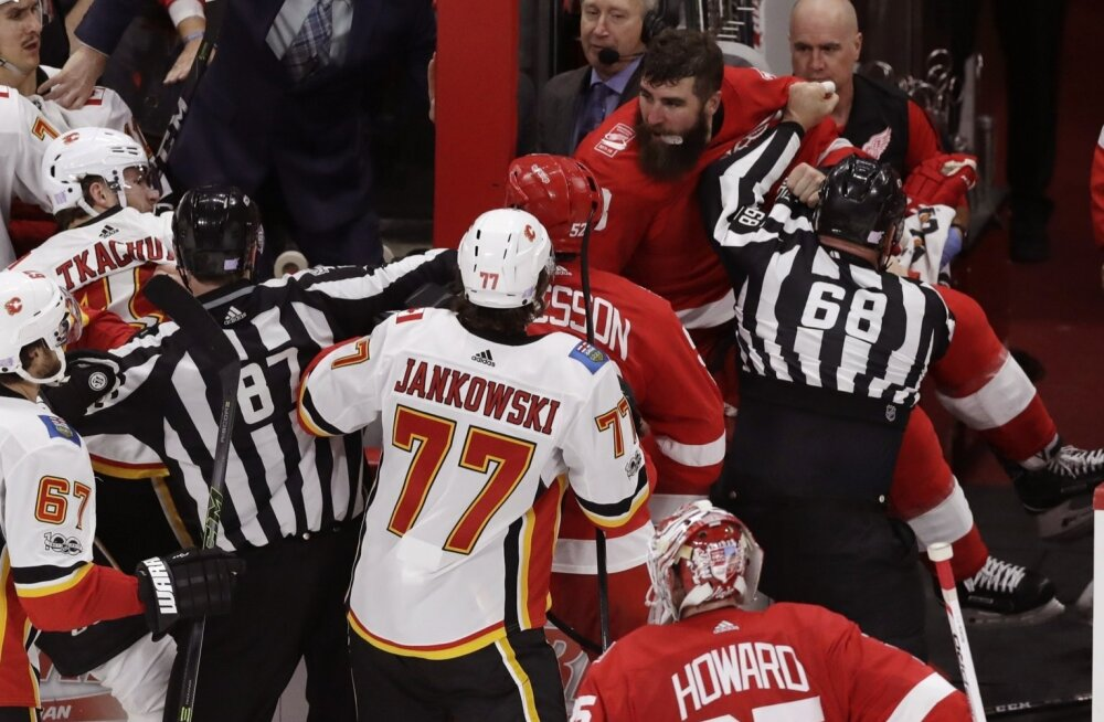 Detroit vs Calgary