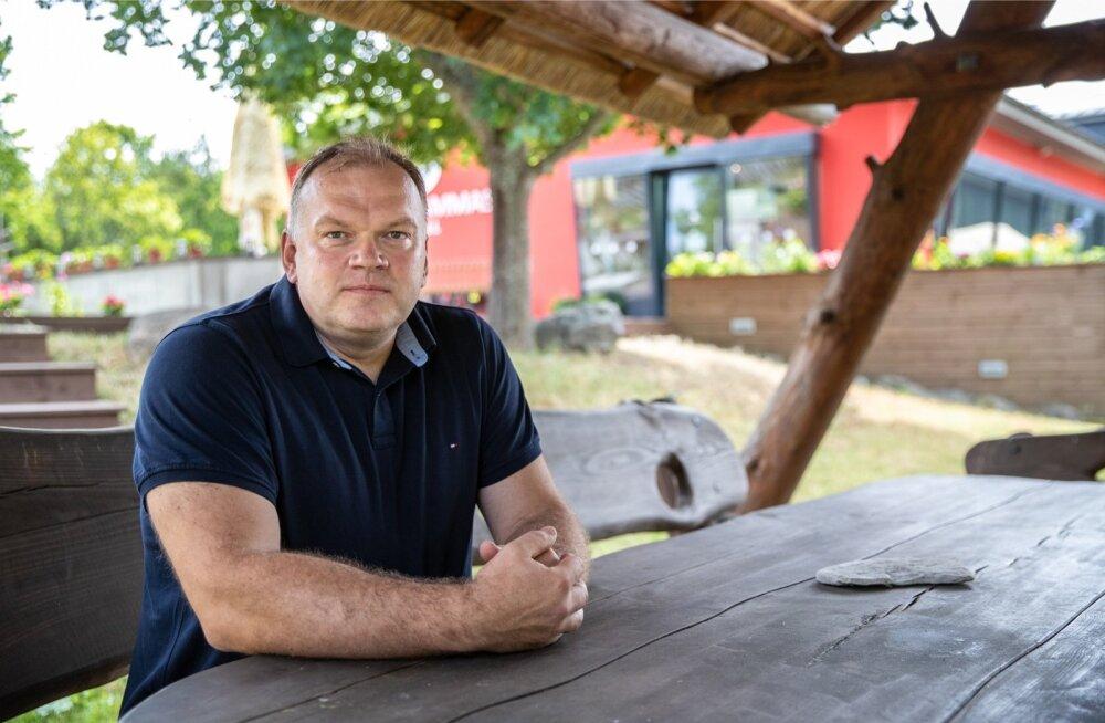 Turismiettevõtja Sander Kopli ütleb, et saarel tuleb olla paindlik, kohaneda oludega ning saada hakkama selle ressursiga, mis su käsutuses on.