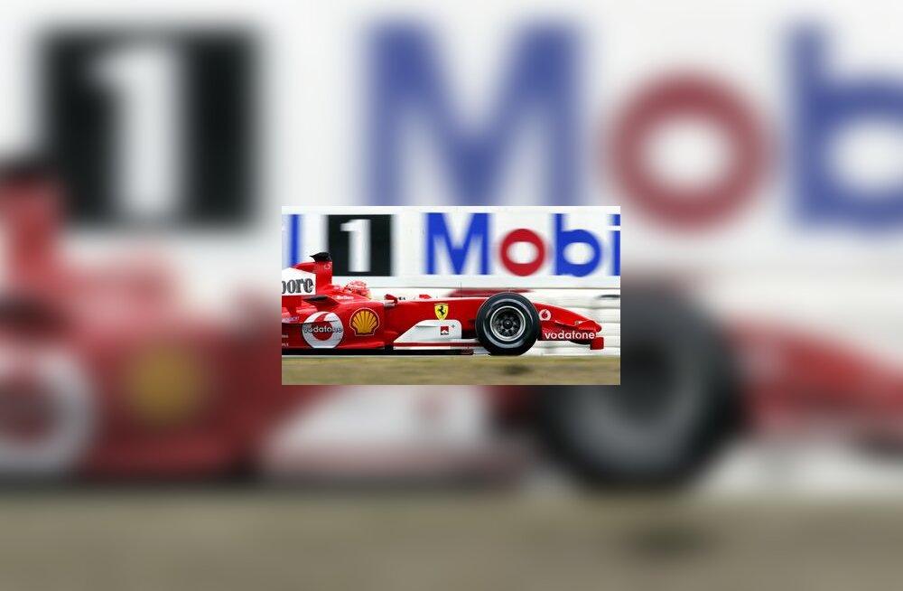 Michael Schumacher ja tema uue ninaga Ferrari Barcelonas