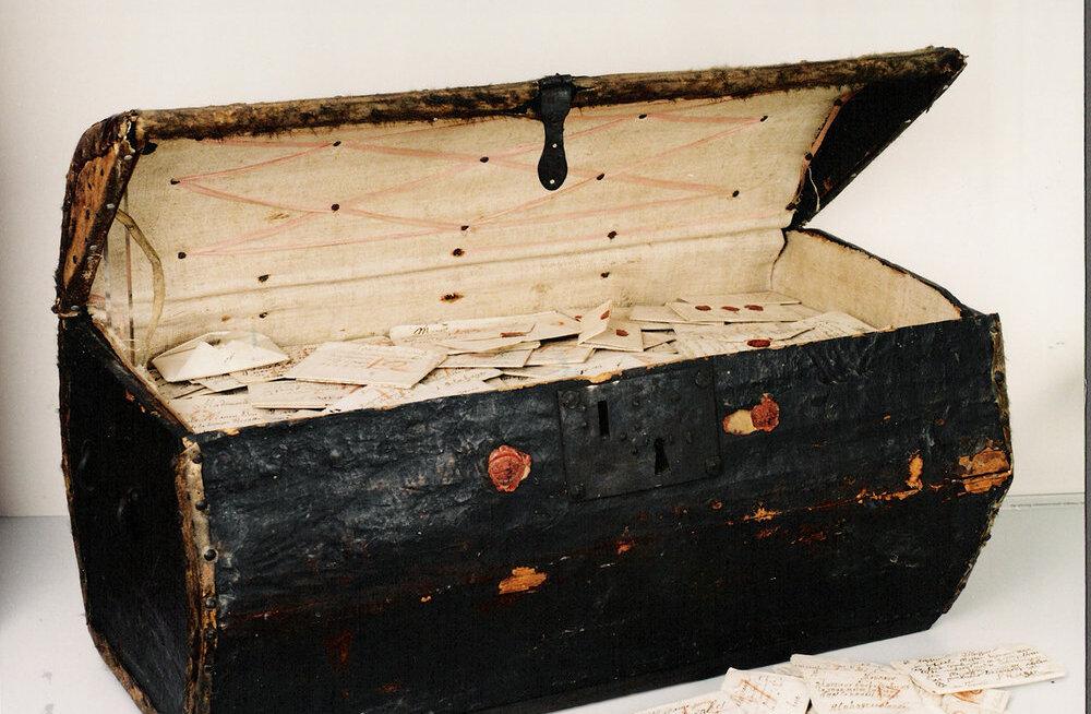 Postiülema aardekast: nahkkirstust leitud 300 aasta vanused kirjad paljastavad kunagisi skandaale
