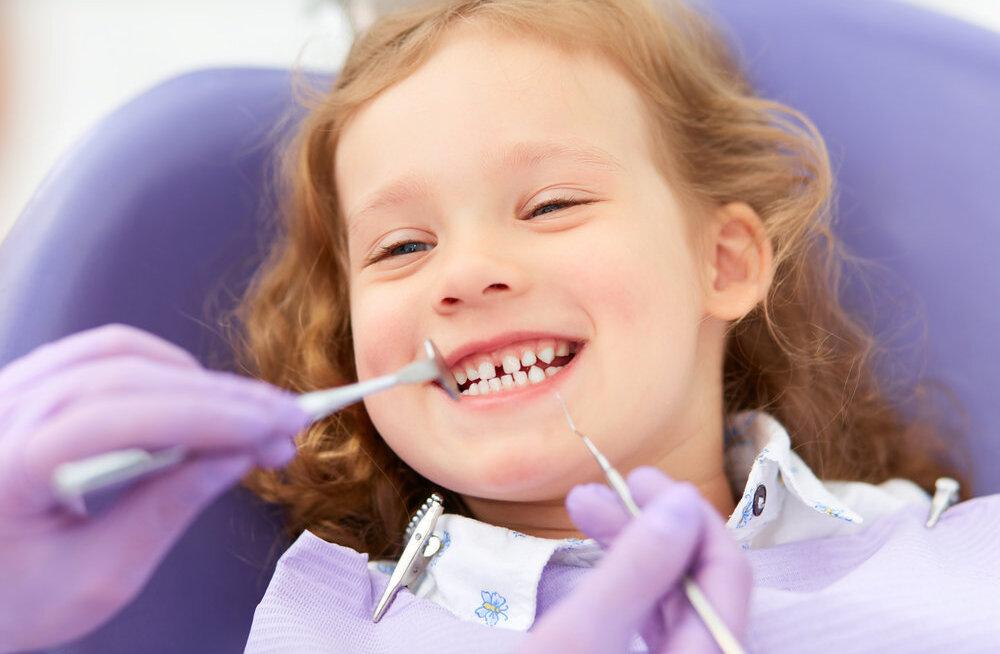 Uuring kinnitab: lapse peaks viima esimest korda hambaarsti juurde just nii vanalt